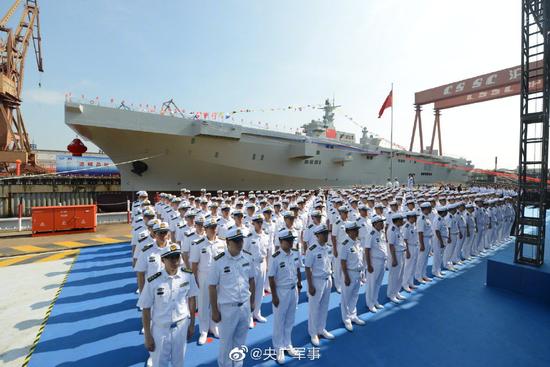 075型两栖袭击舰9月25日在沪东正式下水 图源:央广军事