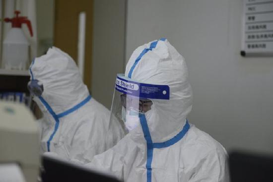 抗击新型肺炎第一线照片曝光 致敬疫情中的逆行者图片