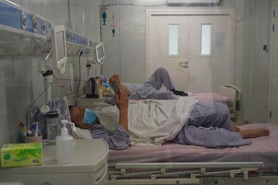 记者探访地坛医院隔离病区,病房内部画面公开图片