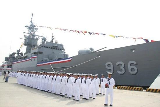 台汉光军演预演又出篓子:海军靶船被空军战机提前击沉图片