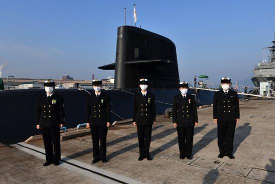 日本海上自卫队迎来首批女性潜艇船员 共5人