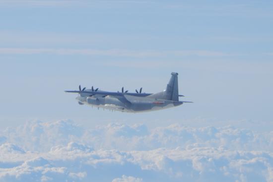 台媒:一来就是4种机型!解放军军机昨再进台西南空域图片