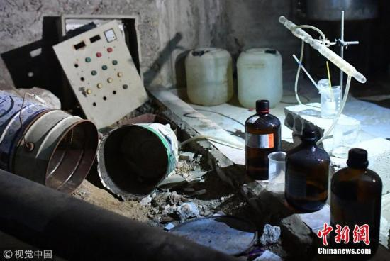 資料圖:俄羅斯軍方今年4月表示,在敘利亞杜馬鎮發現了一處化學武器實驗室,據稱屬於敘利亞反政府武裝。