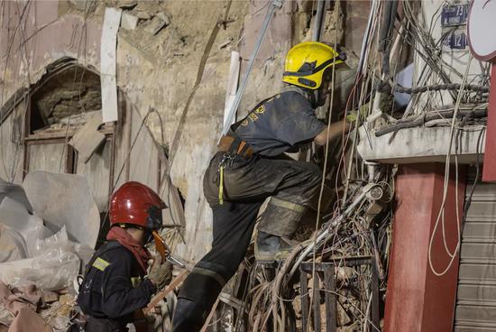 贝鲁特爆炸发生一个月,救援人员废墟中发现生命迹象