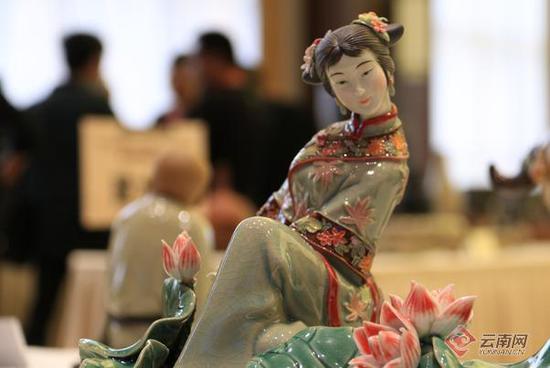 第三届中国四大名陶展在云南建水开展图片