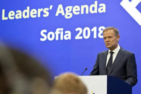 ▲欧洲理事会主席图斯克16日在保加利亚首都索非亚呼吁欧盟组成联合阵线,反对美国退出伊朗核问题全面协议。(新华社)