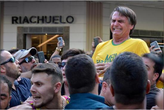 巴西总统遇刺一年后 行刺刀具将被警察博物馆展出