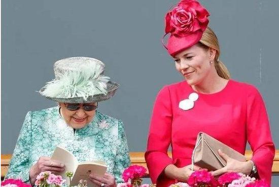 女王與奧圖姆