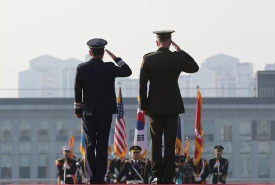 但是,随着时间的推移,韩国民众对美国的情感似乎出现了变化。