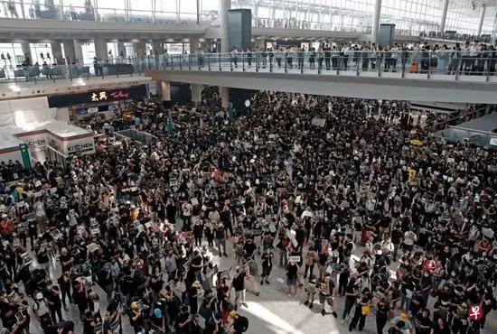 侠客岛:有人想在香港故技重施?你们碰到的是中国|香港