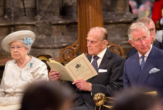 英女王伊丽莎白二世、菲利普亲王以及查尔斯王子。