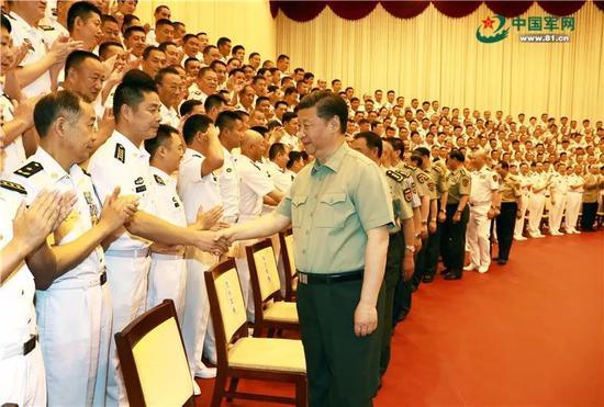 △2018-06-25,习近平亲切接见海军第十二次党代会全体代表和海军机关正师职以上领导干部。