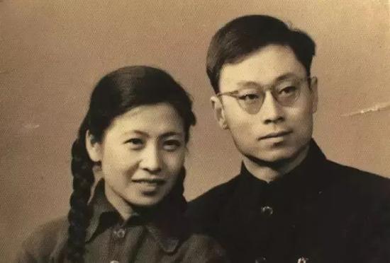 于敏与夫人孙玉芹的结婚照