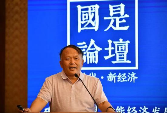 中国石油大学(北京)新能源与材料学院教授周红军中新社 张兴龙 摄