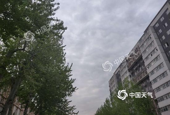 北京告别晴暖 后天气温骤跌至仅1