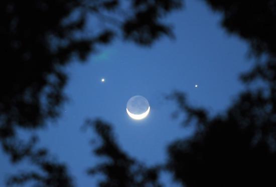 [摩天注册]上演双星伴月天摩天注册亮前最适宜观测图片