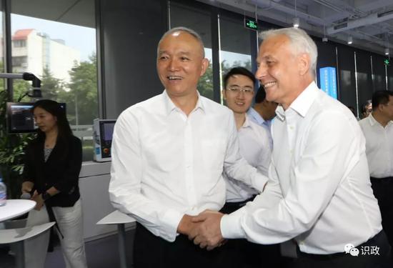 西门子大中华区首席执行官赫尔曼感谢北京市的帮助