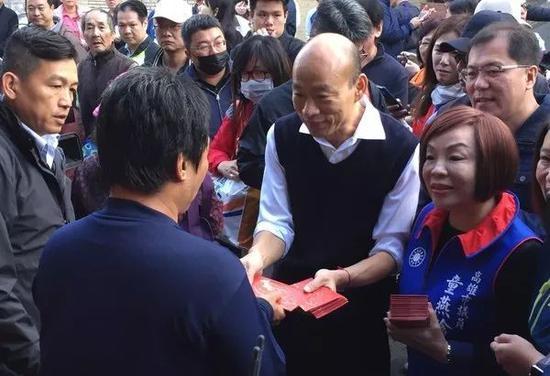 台媒体人:不叫停罢韩案 蔡英文未来4年不会轻松图片