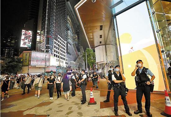 """维他奶香港员工袭警后自杀 公司竟""""深切慰问"""" 内地代言人停止合作"""