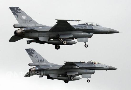 """图为台军F-16资料图。(来源:台湾""""中央社"""")"""