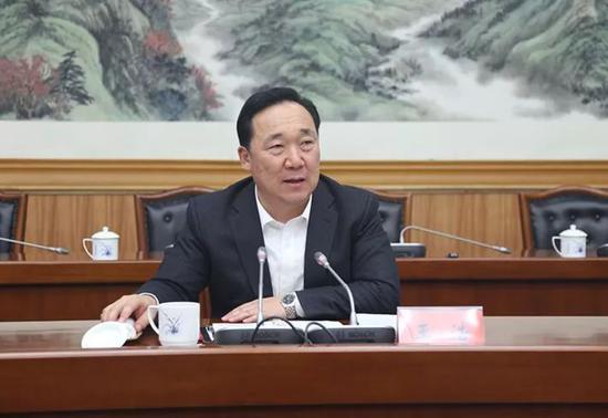 王浩履新西安市委书记曾骑单车赴基层调研暗访