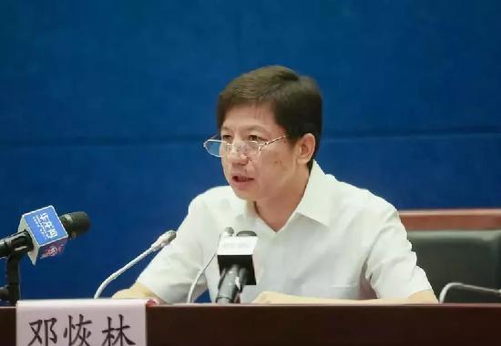 从中央空降近1年 重庆公安局长在做这件事