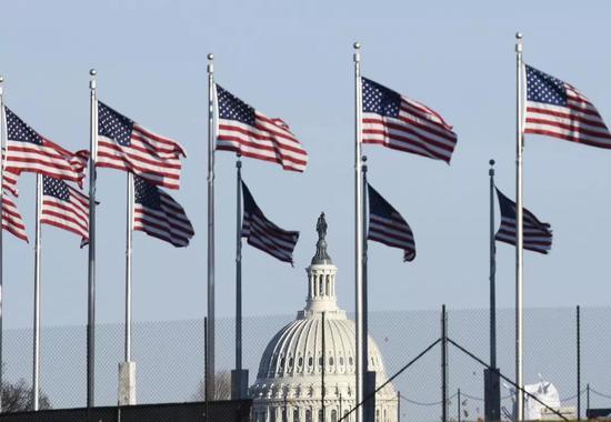 资料图片:这是1月11日在美国首都华盛顿拍摄的国会山。(新华社记者 刘杰 摄)