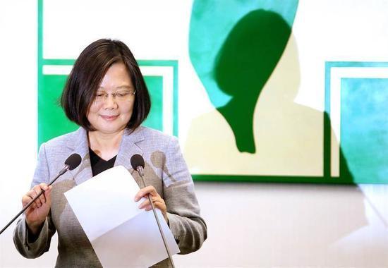 一图看清民进党嘴脸 网友怒:为何一直践踏台湾人|台湾