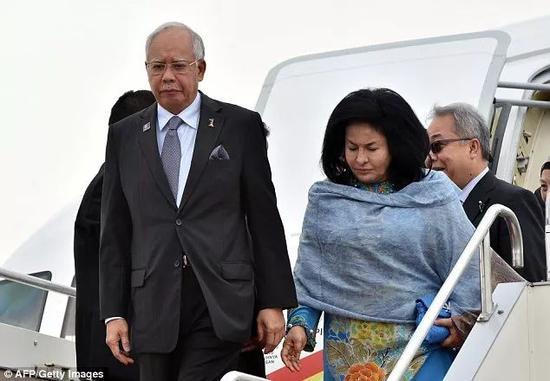 马来西亚前总理纳吉布和妻子曼梳