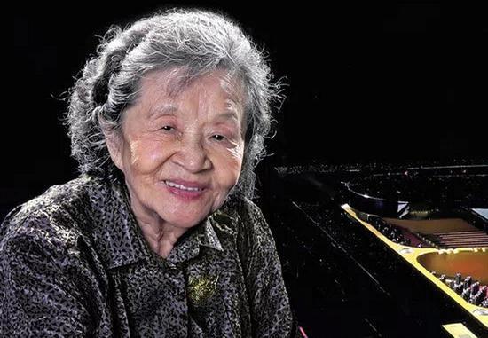 中国第一代钢琴家巫漪丽在新加坡去世 享年89岁