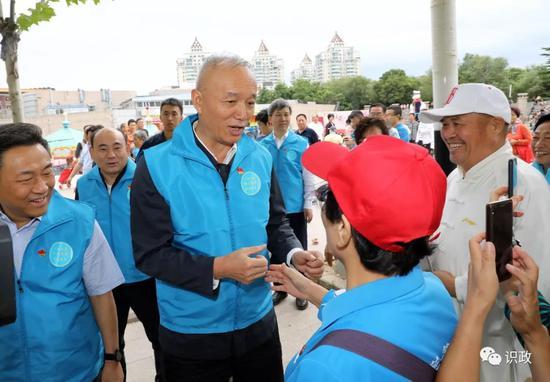和居民志願者交流