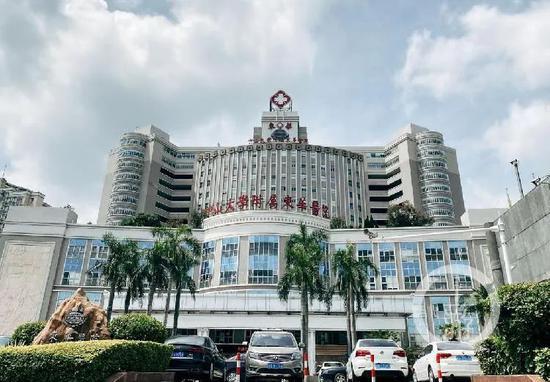 6月22日,中山大學隸屬東華醫院急診科證明,120急診車去過案發明場。/上游消息記者 沈度