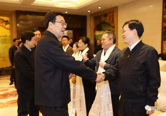 看望北京市援藏干部人才代表和援藏干部家属代表