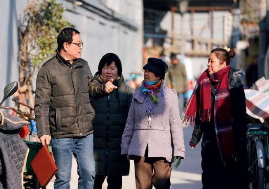 北京三千吹哨人:一声哨响 执法部门30分钟赶到