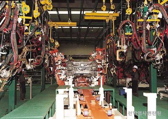 (图说:朝鲜当地的汽车工厂)