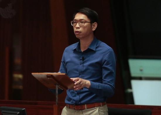 """议员批评郑松泰""""不作死就不会死"""",应承担责任(港媒)"""