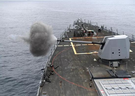 ▲资料图片:美国海军部署在拉美海域的舰艇正在进行训练。