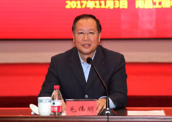 中央候补委员联动调职 常务副省长掌管万亿央企图片