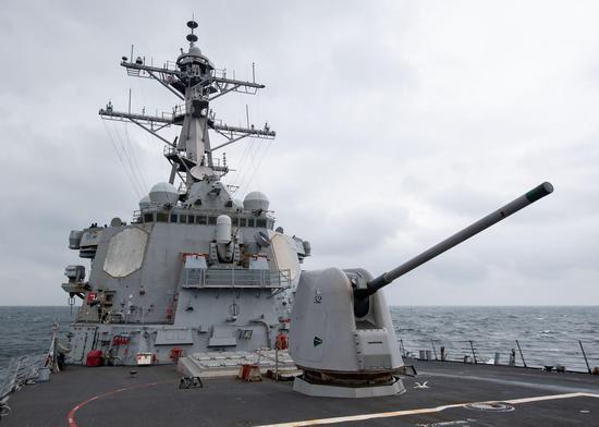 """美海军第七舰队:巴里号驱逐舰今天""""穿航""""台湾海峡"""