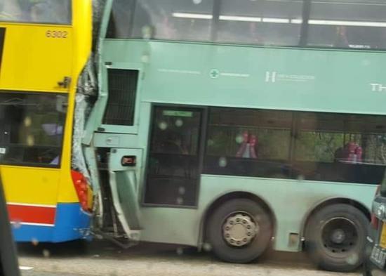 香港巴士相撞致77人受伤 事发元朗与港九市区要道|元朗