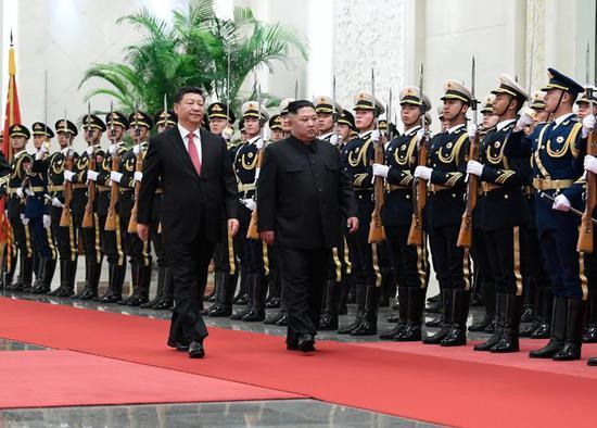 2019年1月8日,习近平同当日抵京的朝鲜劳动党委员长、国务委员会委员长金正恩举行会谈。会谈前,习近平在人民大会堂北大厅为金正恩举行欢迎仪式。
