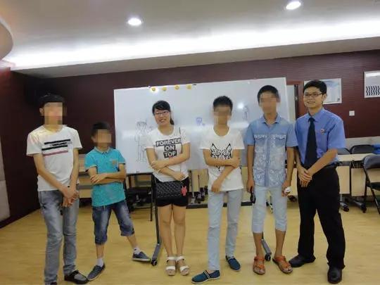资阳雁江检察院帮助学生重返校园。