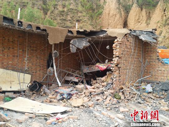 山西吕梁山体滑坡现场直击:村民站院中可见灾害点|滑坡|山