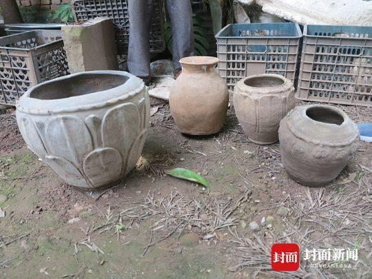 周学明捐赠的陶罐