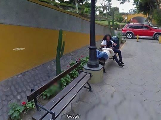 """这名男子在脸书上分享了这些照片,网友则感叹""""这是个多么小的世界……"""""""