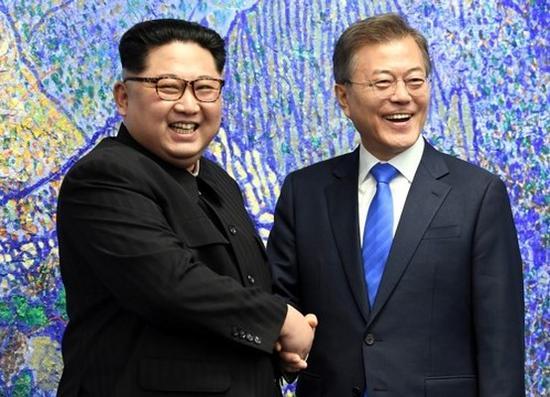 4月27日,朝韩首脑会晤在板门店举行