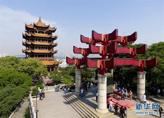 ▲4月29日拍摄的武汉黄鹤楼景区(无人机照片)。新华社记者 熊琦 摄