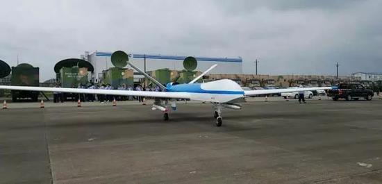 """▲""""鹞鹰""""Ⅱ察打一体无人机具有操作方便、可靠性高、维护保障要求低和寿命长等特点。 航空工业贵飞供图"""
