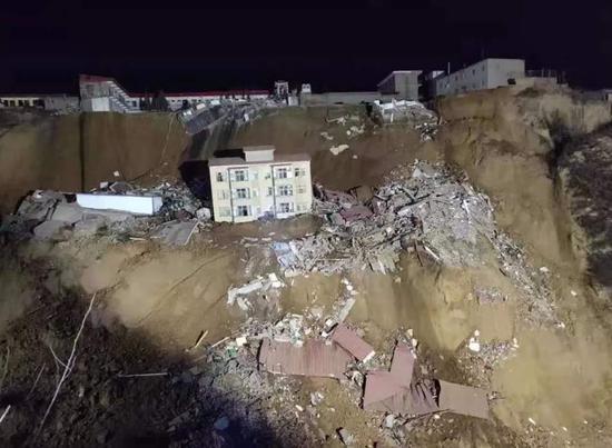 山西乡宁山体滑坡事故已致7人死亡 13人失联