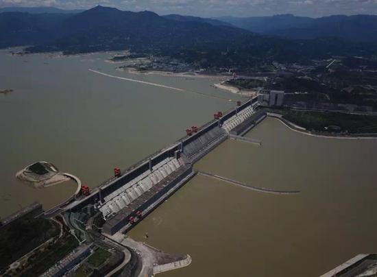 """2019年7月5日的三峡大坝 三峡集团微信公号""""三峡小微"""" 图"""